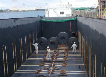 高炉メーカー 和歌山製鉄所向け、コイル海上輸送